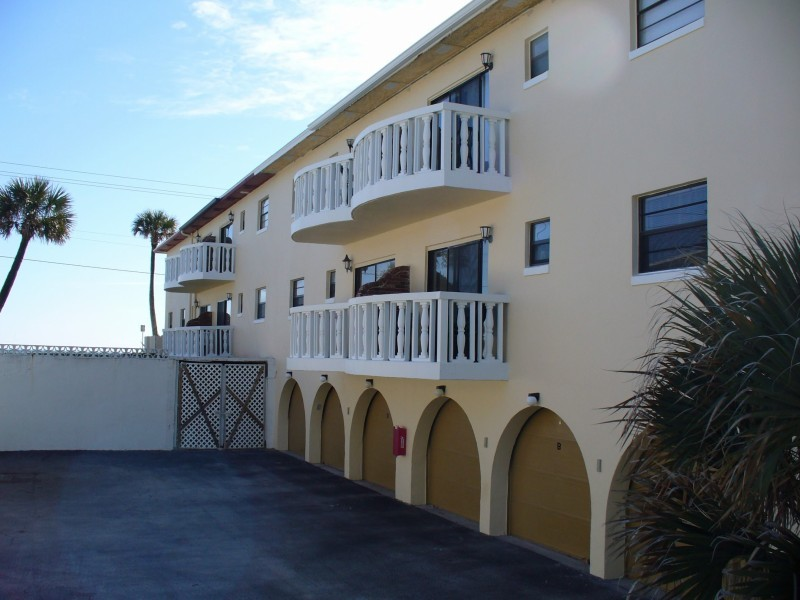 court of palms condos for sale